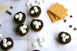 Mini S'mores Tarts || For the Love of Gourmet